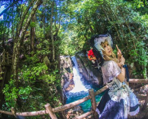 (日本語) 【ロケーション紹介】 岐阜県レイヤー必見! 『水撮影ロケ』が可能、パワースポットでも有名な秘境でのコスプレ撮影を楽しもう