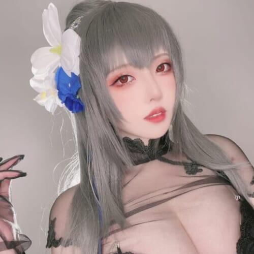 (日本語) 19歳のグラマラス中国人コスプレイヤー『菌烨tako』が完璧ボディな「アズールレーン/サン・ルイ」のコスプレを披露し話題に
